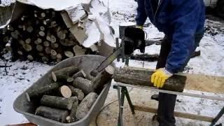 Универсальное приспособление для пилки дров козел