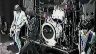The Ramones - Let's Dance (live Ann Arbor '81)