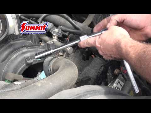 Replacing Spark Plugs in a Ford F-150 5.4 Modular Engine - Summit Racing Quick Flicks