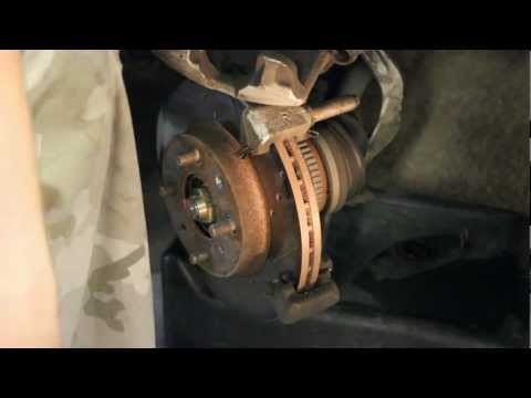 How to Replace Brakes Honda Civic 96-00