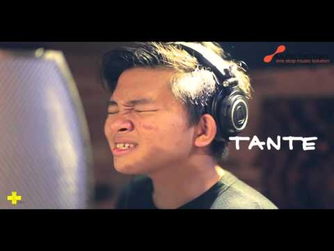 CJR - Tante Linda Official Lyric Video