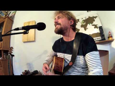 50 ways to leave your lover - Paul Simon - Live acoustic cover by Gisen