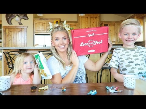 Love With Food Unboxing & Taste Test | Aug 2016