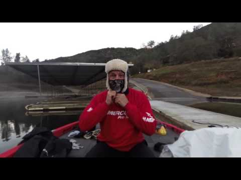 How to Stay Warm When Fishing in Cold Weather