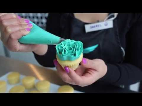 Blossoms, Carnations & Ribbon Roses - Frosting Piping Techniques