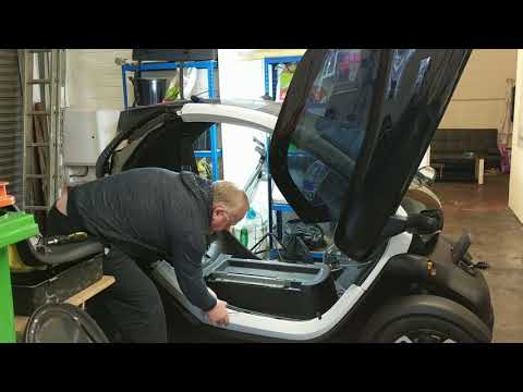 Twizy Stripdown - Taking Out The Battery