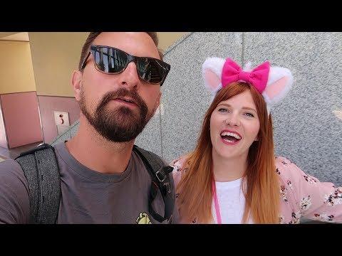 Tokyo Disneyland Fun! | Dark Rides, Small World & Delicious Food!