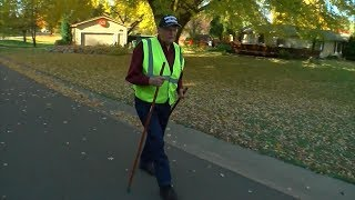 Neighbors Put Out Sidewalk Chairs For 95-Year-Old WWII Veteran Who Loves Walking