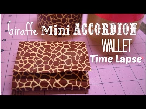 Giraffe Mini Accordion Wallet Timelapse