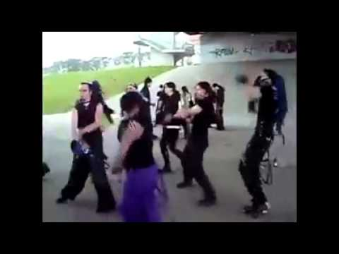 GOTHS RAVE TO THOMAS THE TANK ENGINE - FUNNIEST VIDEO EVER!!