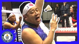 Most shuttlecocks caught with chopsticks in one minute - Guinness World Records
