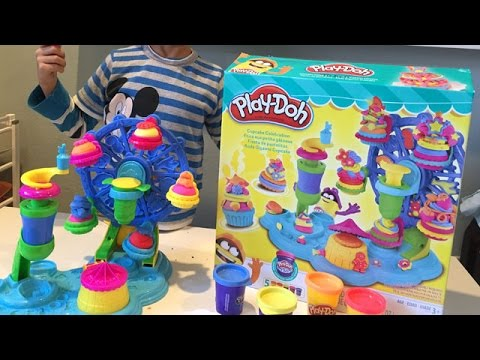 Play-Doh Cupcake Celebration Playset UNBOXING