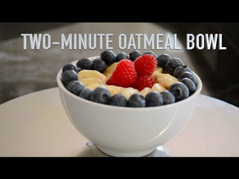 How to prepare a vegan Two-Minute Oatmeal Bowl: a healthy, low-fat, plant-based breakfast