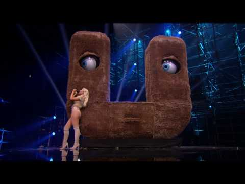 Bebe Rexha - I Got You (2016 MTV EMAs)