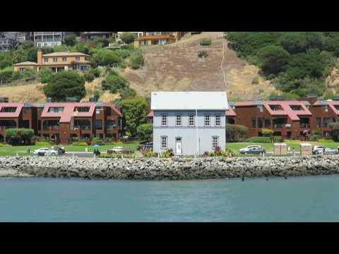 The Angel Island-San Francisco ferry stops at Tiburon