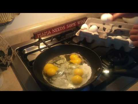 5 double yolk eggs in a row today, 7 yesterday. Trader joe's/Sauders drugging their chickens?!