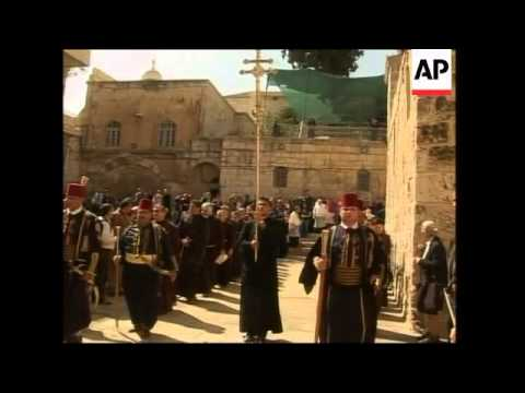 Orthodox and Catholic mass celebrated at Church of the Holy Sepulchre