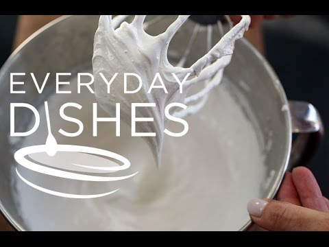 How to Make Fluffy Boiled White Icing
