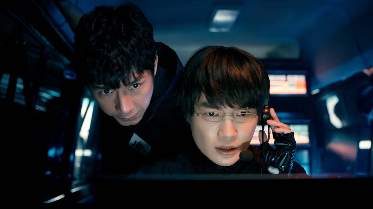 神木隆之介&西島秀俊、特殊部隊に扮し映画さながらの緊迫感で主婦を救う、和気あいあいのメイキングも 台所用洗剤『JOY』新TVCM