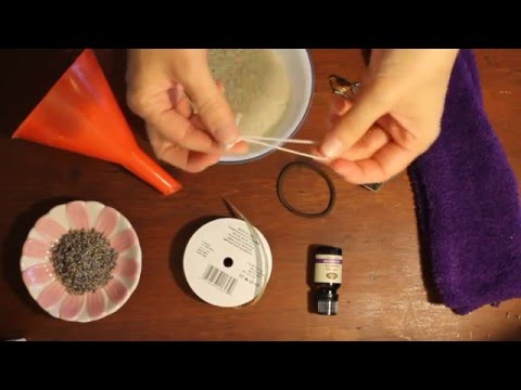 How To Make An Easy Aromatherapy Heat Rice Pack