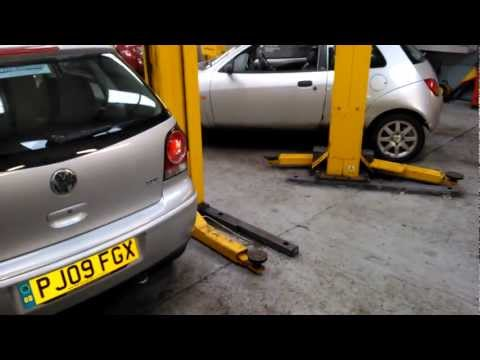 How to remove a Volkswagen Polo rear light unit.