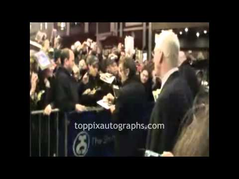 Al Pacino - Signing Autographs at