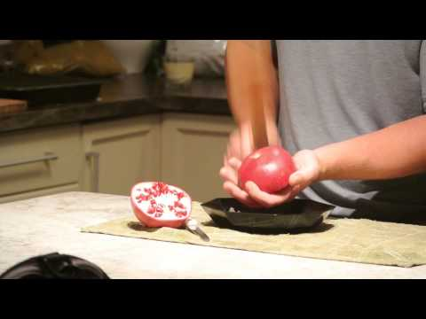 Pomegranate Hack! Get the seeds out without making a mess!