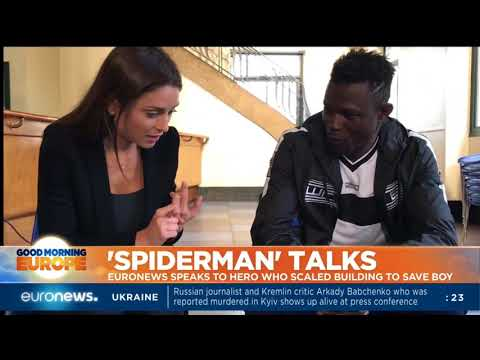 Paris 'Spiderman' speaks about saving a child - Anelise Borges reports