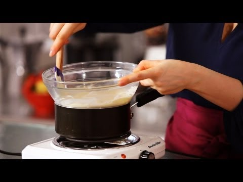 How to Temper Chocolate | Cake Decorating