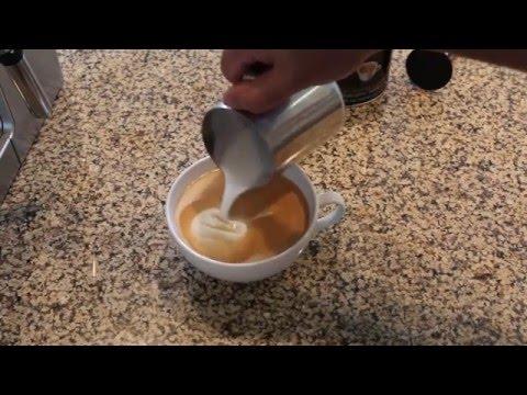 De'Longhi ECP3630 review - Making a caffè mocha