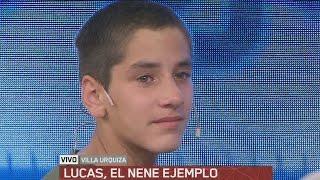 Vivió en la calle, terminó la escuela y, como premio, lo sorprendió su ídolo