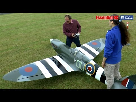 GIANT 1:3 SCALE RC SPITFIRE: LMA Cosford Show 2016