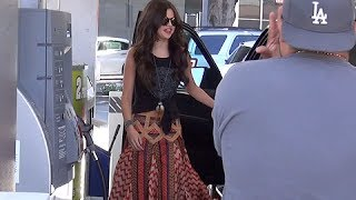 Selena Gomez Asks Paparazzo To Drive Her Car, Asked If Bieber Is A