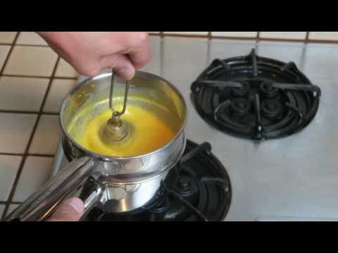 How to make Hollandaise Sauce the Easy Way