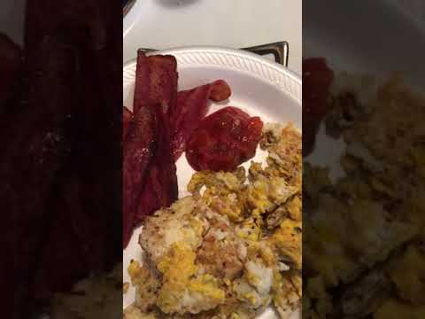 Jazz & salsa 🍅with eggs 🍳 & turkey 🦃 bacon 🥓 Good Morning Queens 👸🏽 & Kings 👑