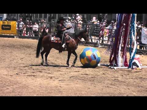 Julie Lopez Ultimate Super Horse Challenge Finale 2013