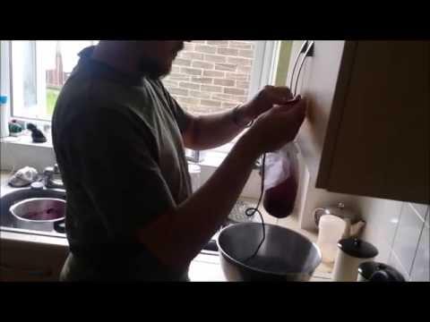 How To Make Elderberry Cordial