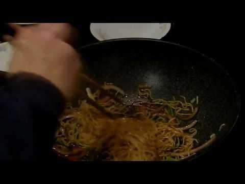 Easy Recipe - Chow Mein in Soya Sauce -  豉油王炒麵
