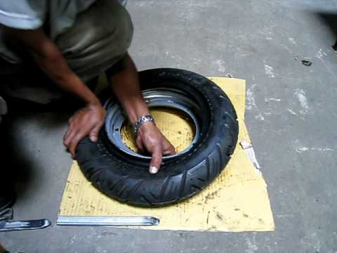 ScootRS Vespa & Lambretta tubeless wheel rims: How to mount a tire in only 45 seconds