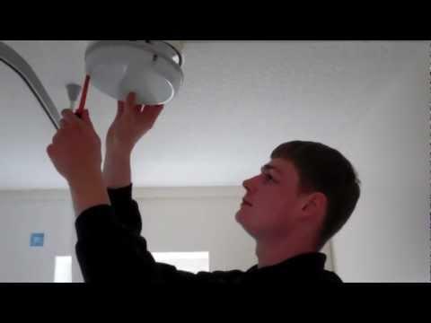How to Change your Bathroom Light Bulb