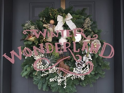 Tips on how to DIY Perfect Glam Christmas Wreath!