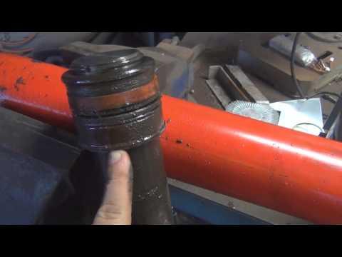 Hoist Ram Inspection - Damaged Seals and Muck