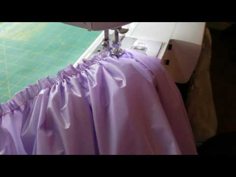How to gather a plastic tablecloth into a table skirt