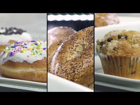 Avantco Refrigerated Baked Good Display Cases