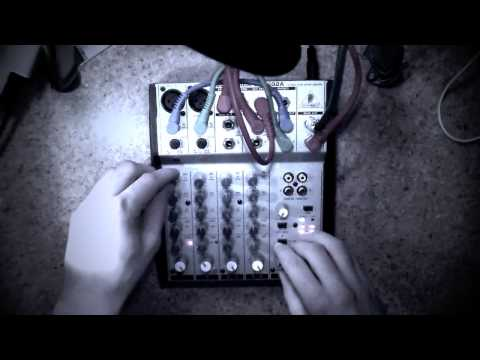 How to make Noise music | Feedback Loops | Behringer Mixer Madness