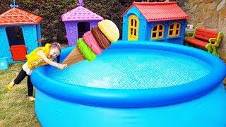 Öykü'nün Dondurması Havuza Düştü! For Kid Swimming Pool And İce Cream Funny Oyuncak Avı