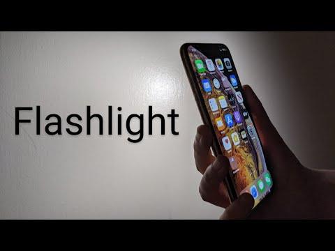 FLASHLIGHT - iPhone XS & XR- Change Brightness & Turn On / Off