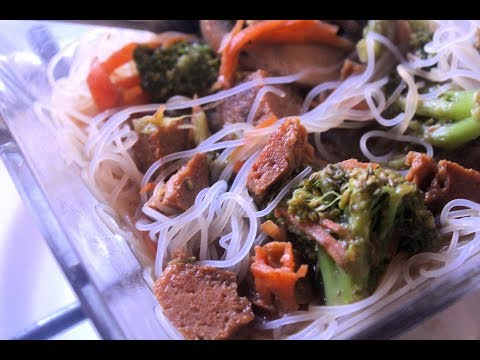 How to make Beef & Broccoli Noodle Soup Vegan Style