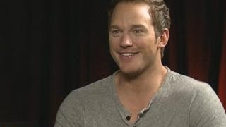 Download Chris Pratt Interrupts Interview To French Braid Intern's Hair Video