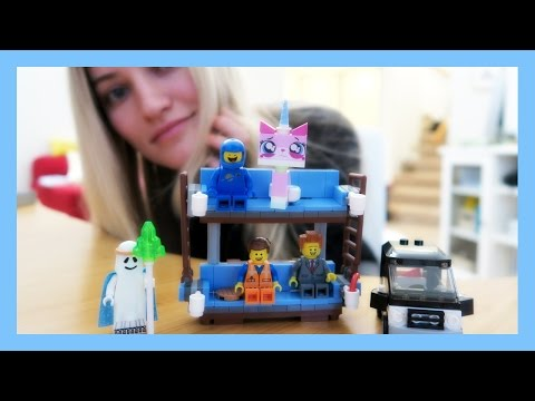 Double decker couch LEGO build   iJustine
